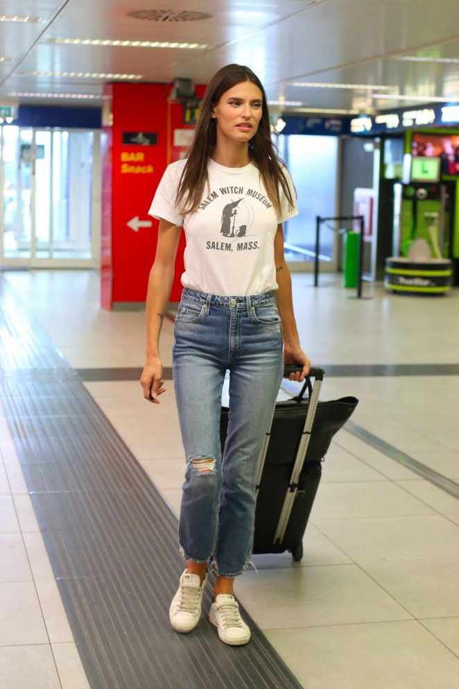 Bianca Balti - Arrives at Milan Fashion Week in Milan