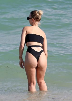 Bianca Elouise in Black Bikini on the beach in Miami