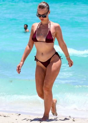 Bianca Elouise in Tiny Bikini on the beach in Miami