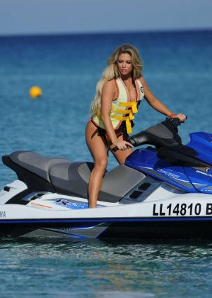 Ski bikini kill jet