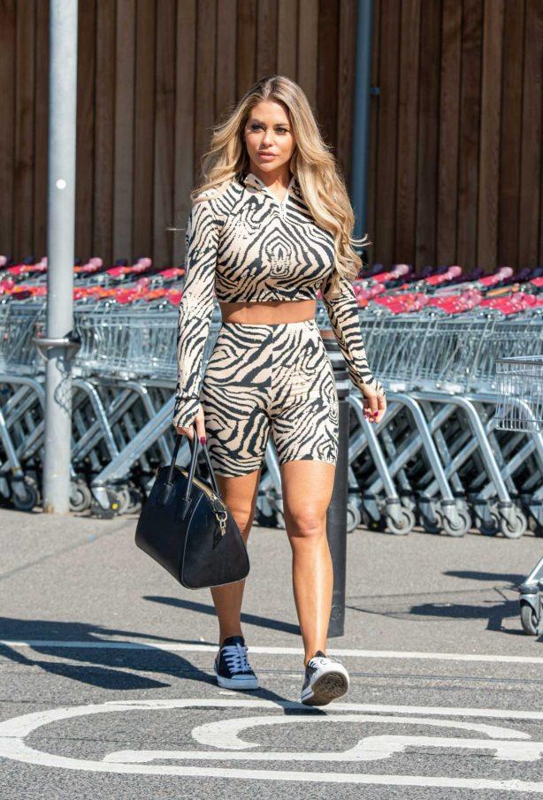 Bianca Gascoigne - Shopping at Sainsburys in Kent
