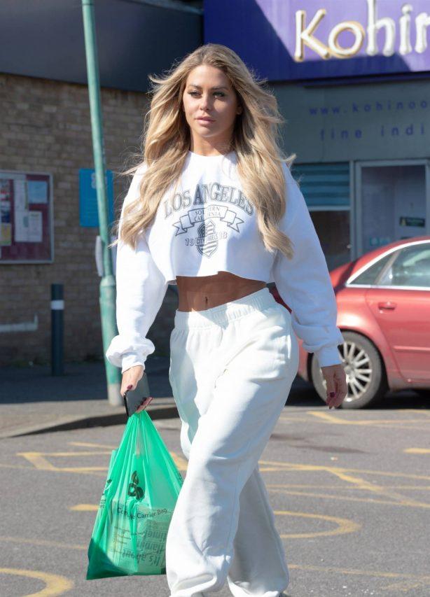 Bianca Gascoigne - Shopping in London