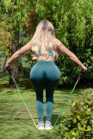 Bianca Gascoigne - Working out in Gravesend