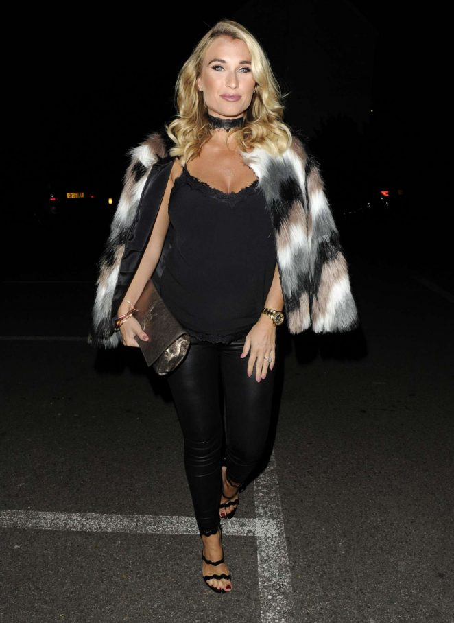 Billie Faiers - Arrives at a Christmas Party in Essex