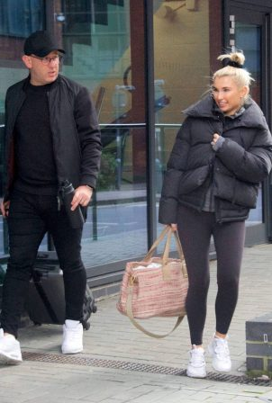 Billie Faiers - Spotted leaving the ice skating rink