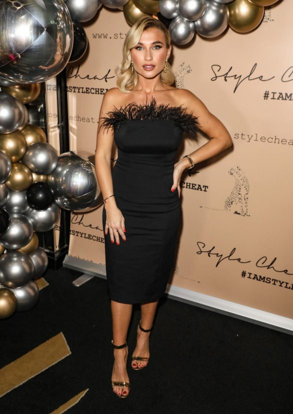 Billie Faiers - Style Cheat's Christmas Party in London