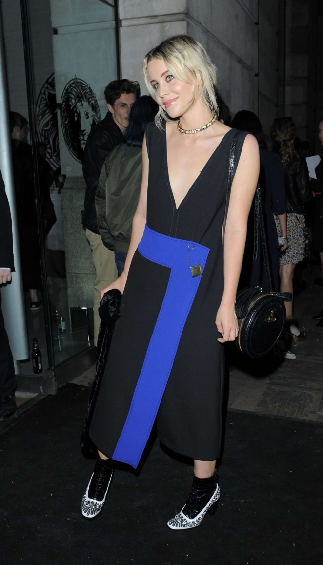 Billie JD Porter - Versus By Versace Fashion Show in London