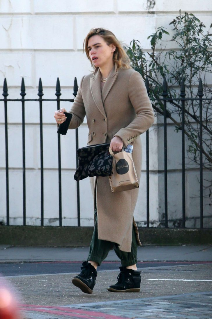 Billie Piper: Out and about in London -02