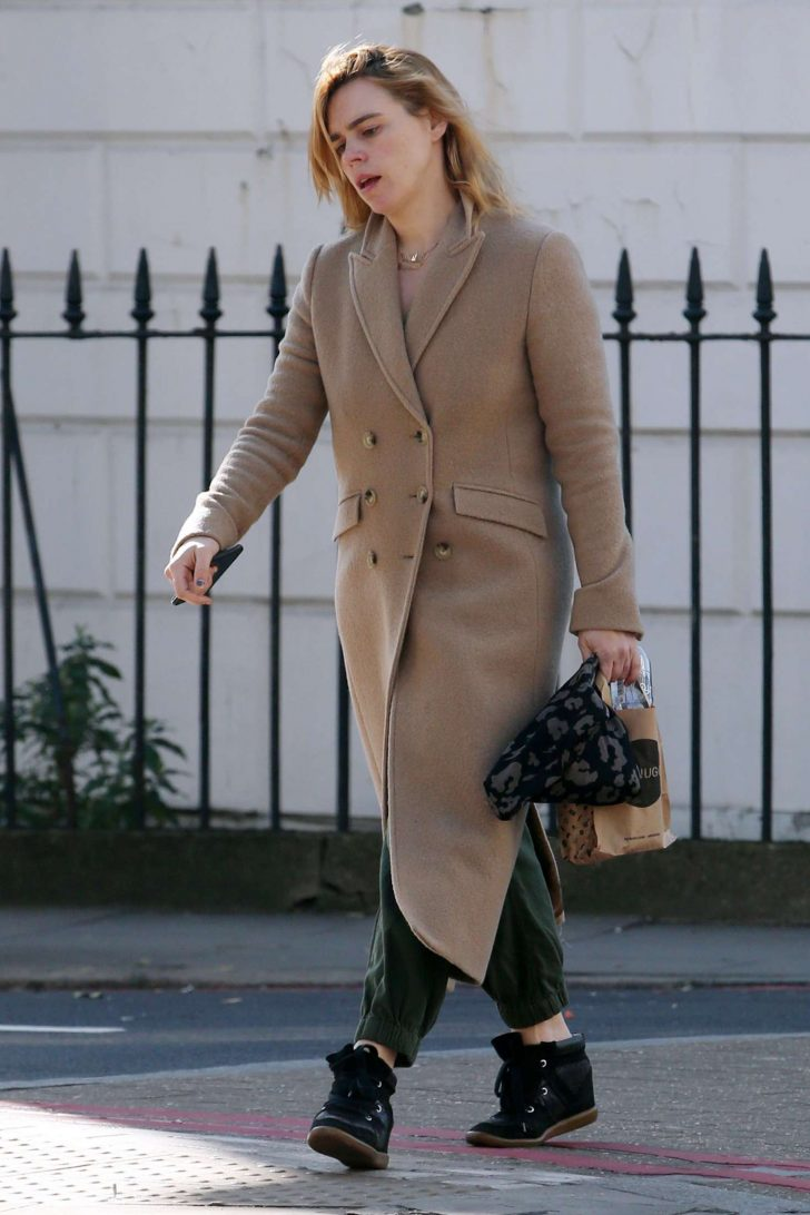 Billie Piper: Out and about in London -04