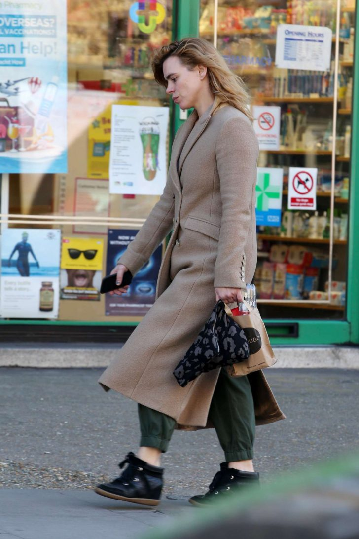 Billie Piper: Out and about in London -05