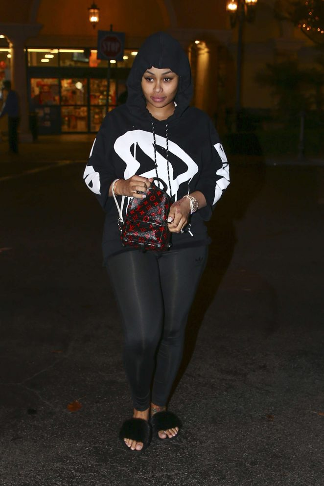 Blac Chyna at Ralph's grocery store in Calabasas