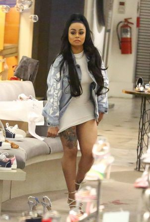 Blac Chyna - Shopping at Saks Fifth Avenue in Beverly Hills