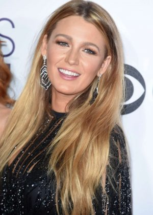 Blake Lively - 2017 People's Choice Awards in Los Angeles