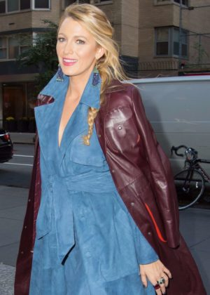 Blake Lively - Arrives at an office building in NYC