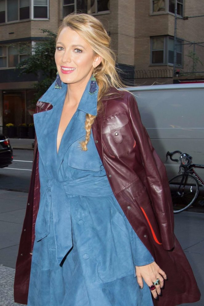 Blake Lively – Arrives at an office building in NYC