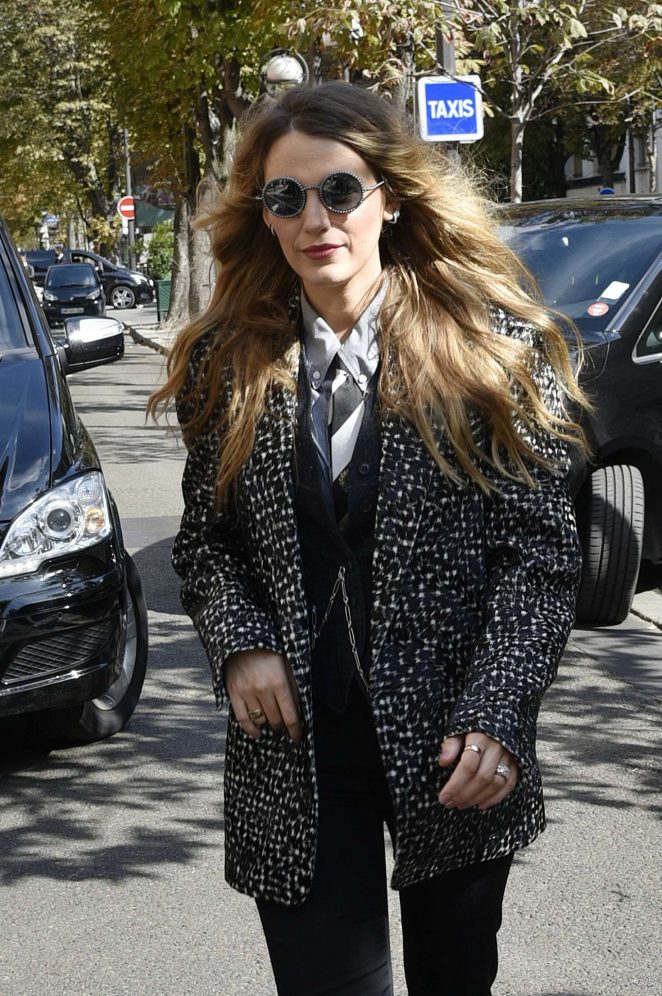 Blake Lively - Arriving at her hotel in Paris