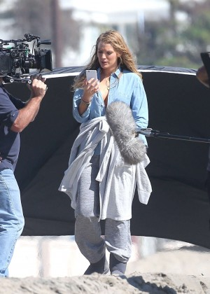 Blake Lively - Filming Reshoots for The Shallows on the beach in Malibu