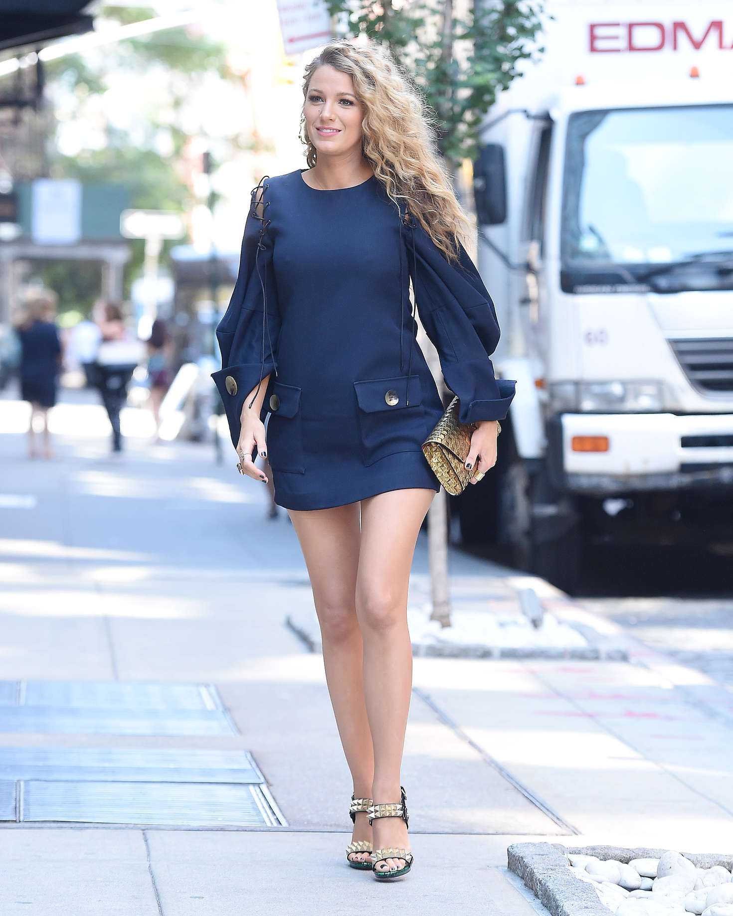 Blake Lively 2016 : Blake Lively in Short Blue Dress -05