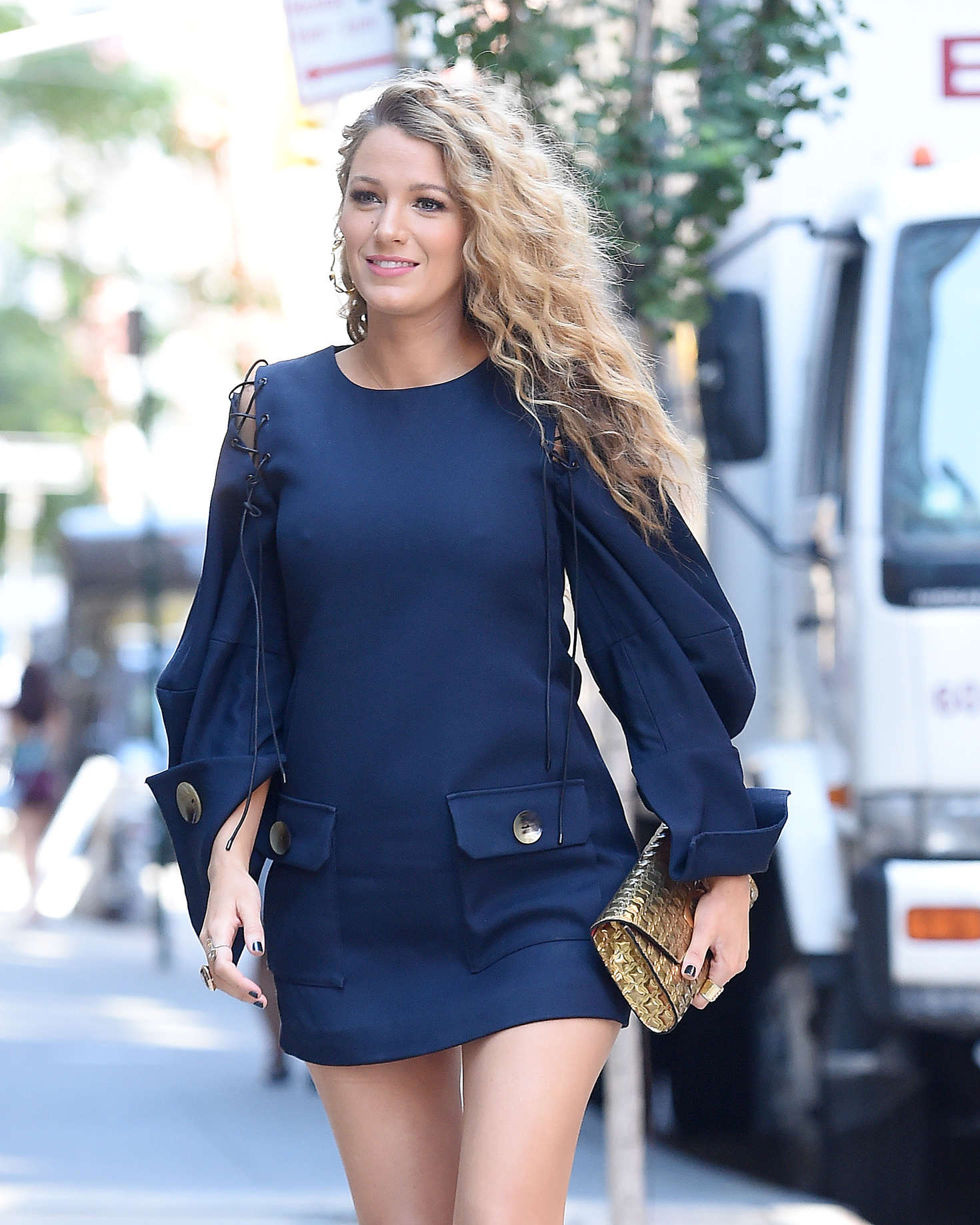 Blake Lively 2016 : Blake Lively in Short Blue Dress -08