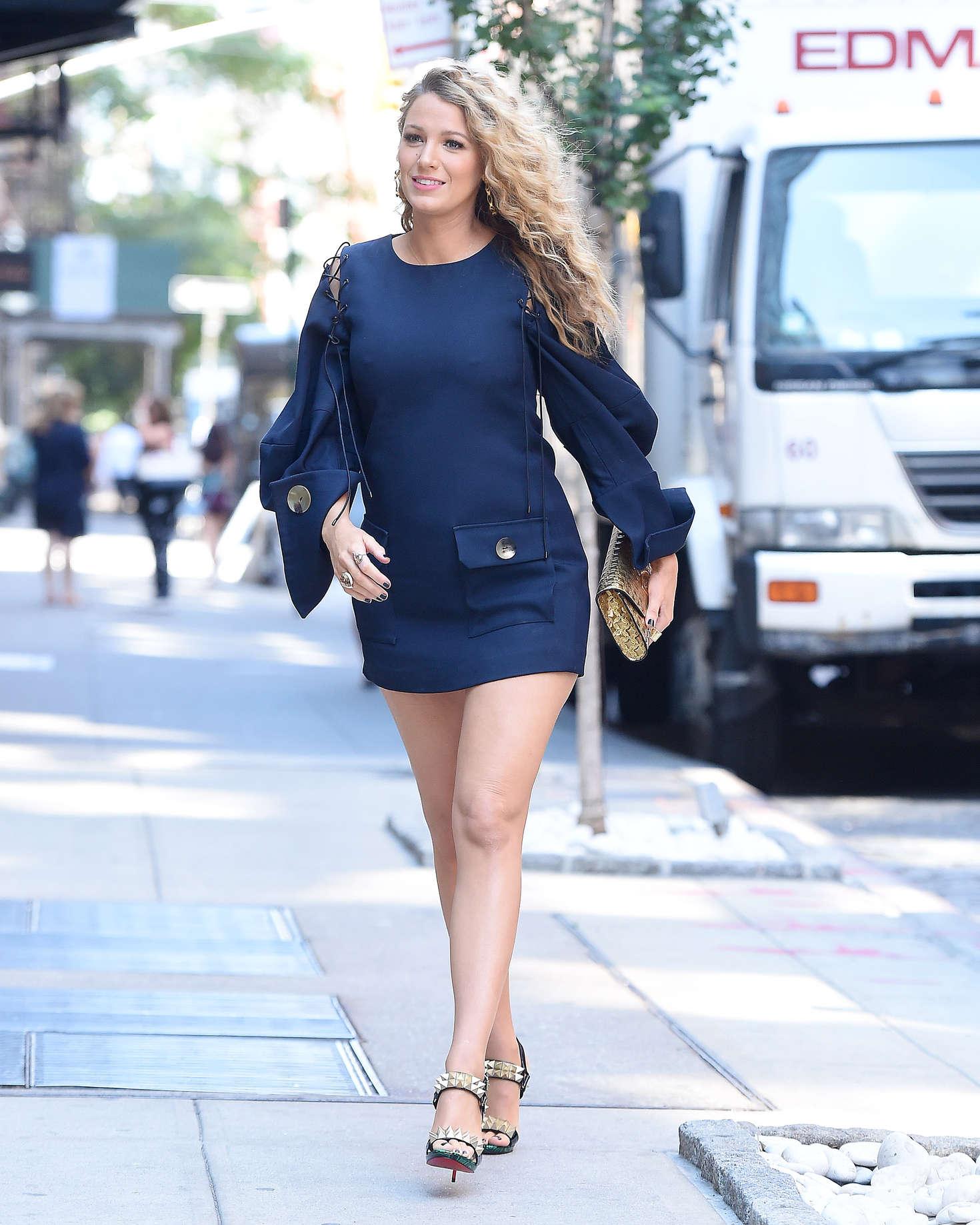Blake Lively 2016 : Blake Lively in Short Blue Dress -09
