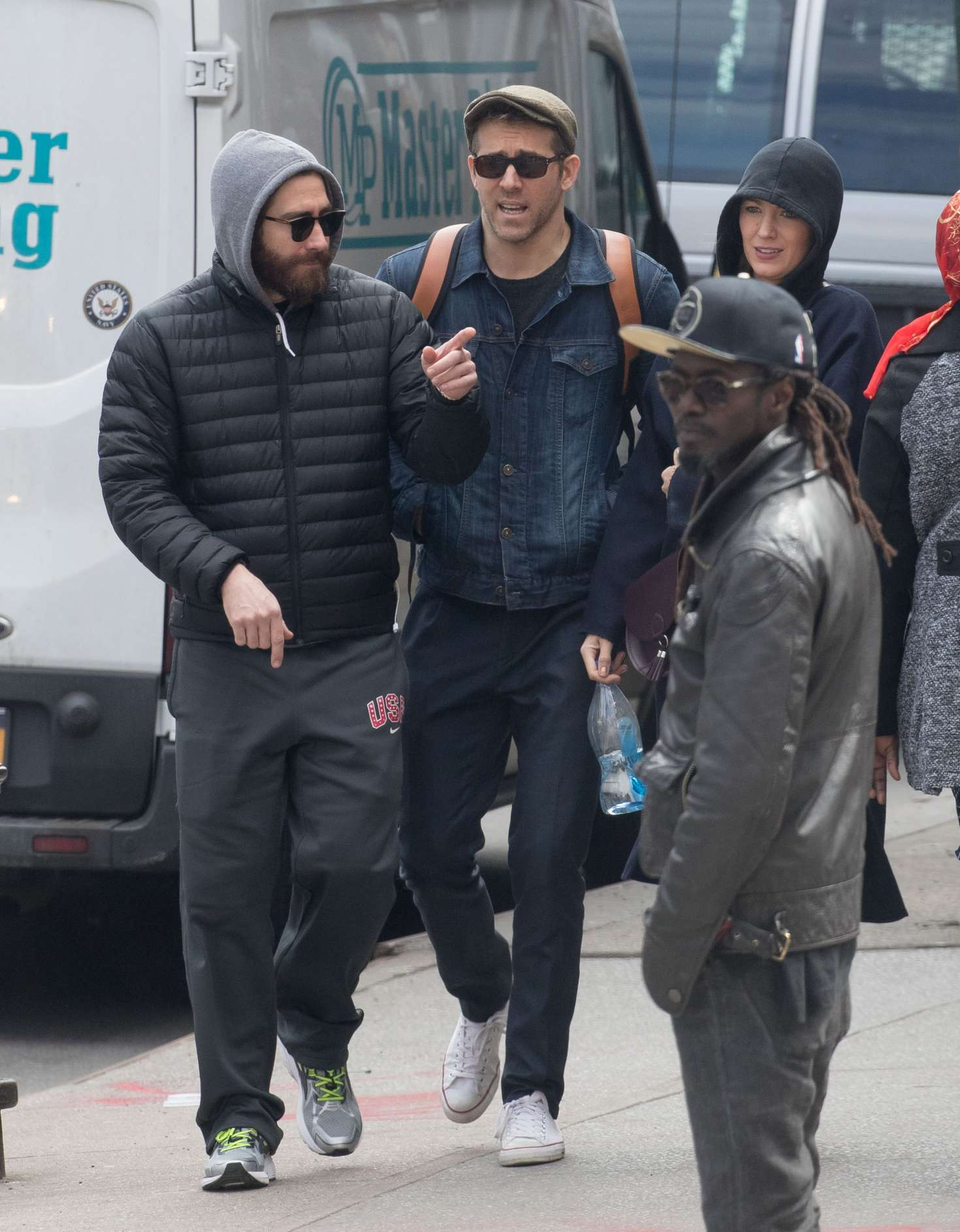 Blake Lively Jake Gyllenhaal And Ryan Reynolds Out In Nyc