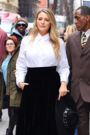 Blake Lively - Leaves an office building in New York