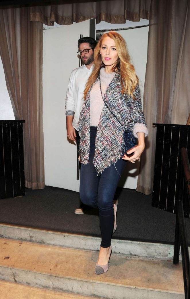 Blake Lively in Tight Jeans -01