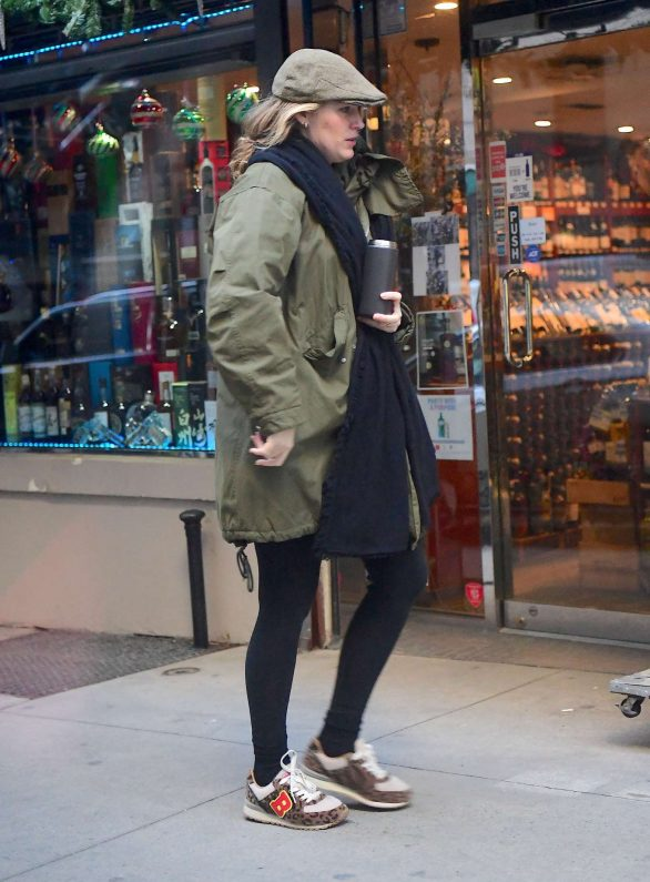 Blake Lively - Out for breakfast in New York City