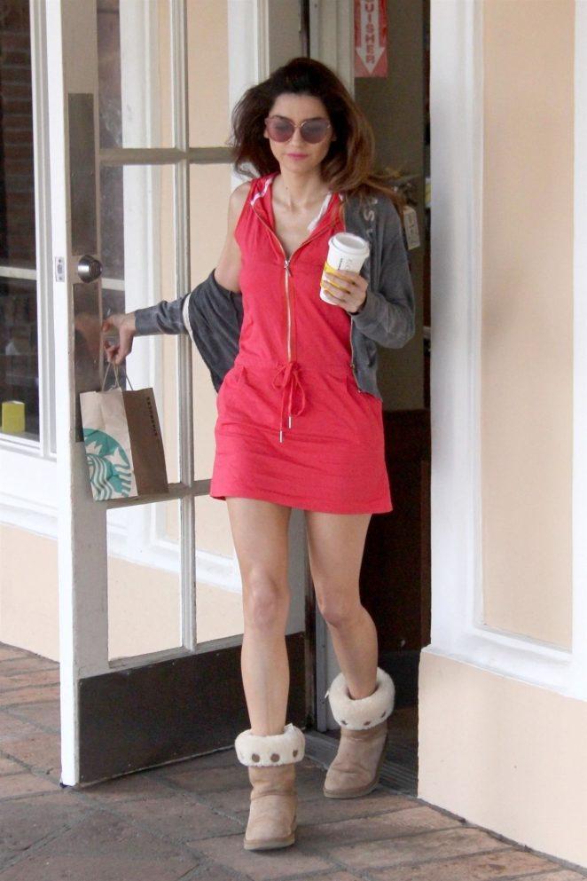 Blanca Blanco  at Starbucks in Malibu