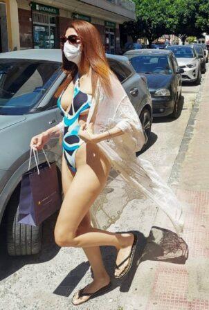 Blanca Blanco - In a bikini visits a hair salon in Caminia