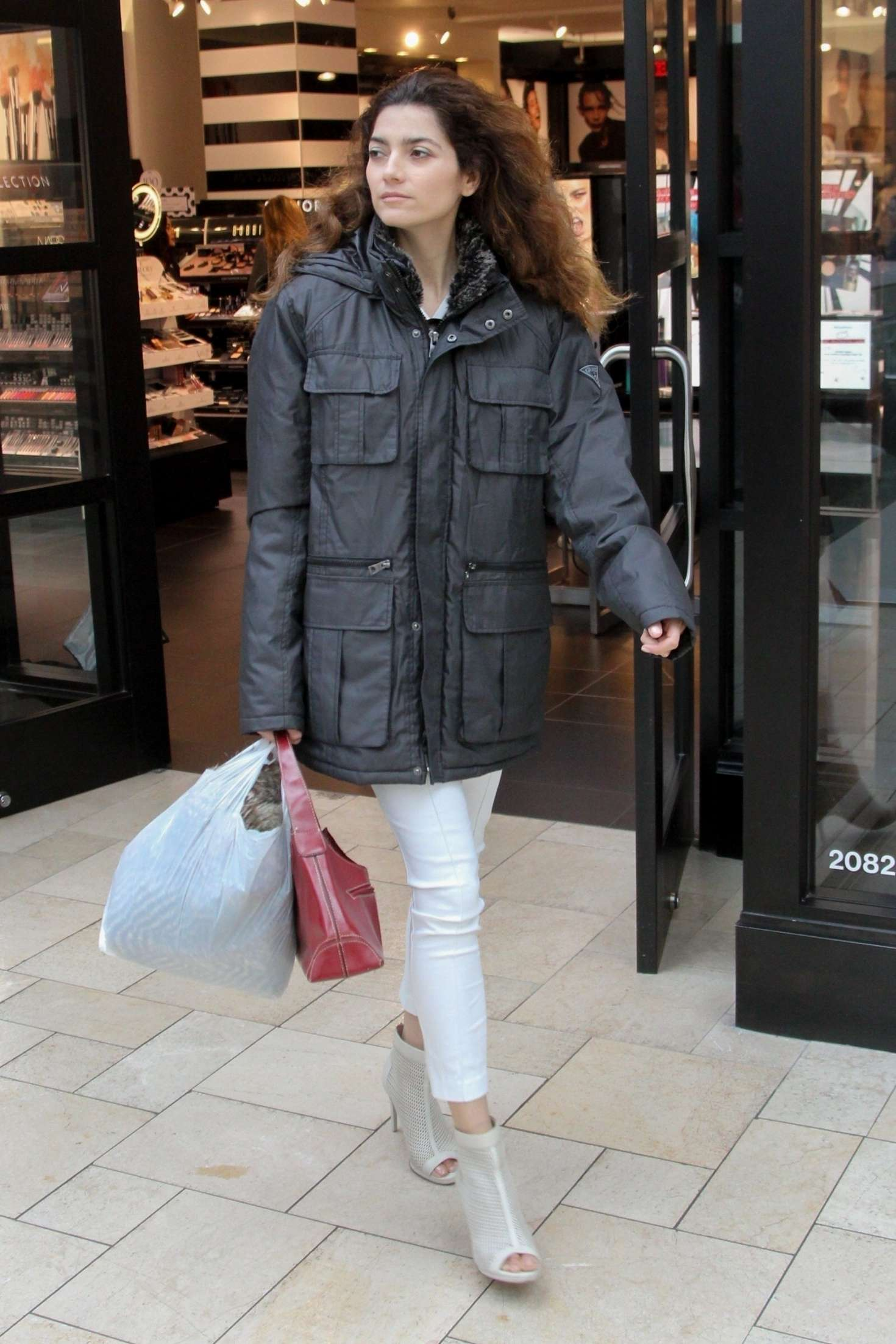 Blanca Blanco - Out for shopping in Beverly Hills