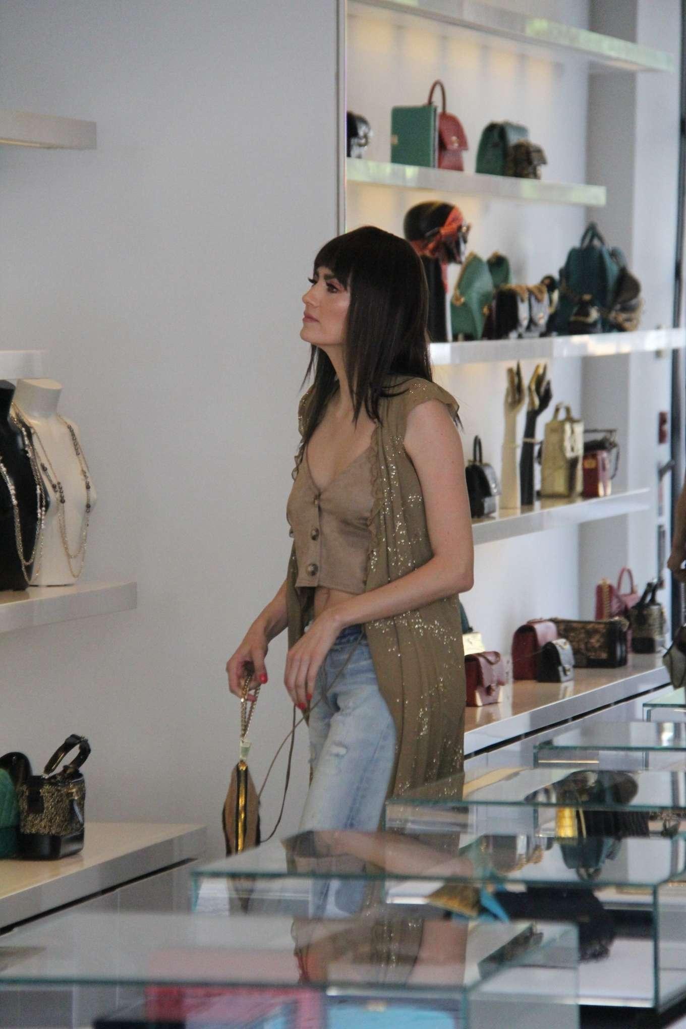 Blanca Blanco 2019 : Blanca Blanco: Shopping at Chanel on Robertson Blvd-01