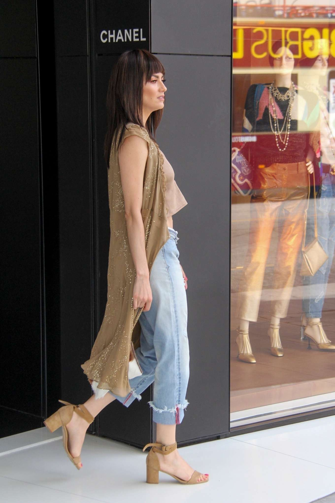 Blanca Blanco 2019 : Blanca Blanco: Shopping at Chanel on Robertson Blvd-04