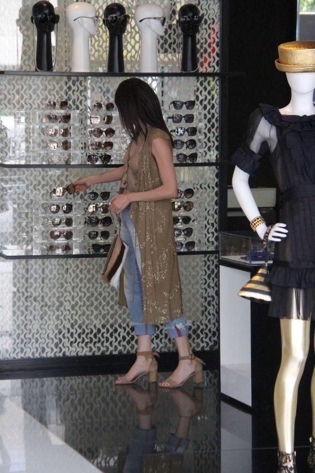 Blanca Blanco 2019 : Blanca Blanco: Shopping at Chanel on Robertson Blvd-10