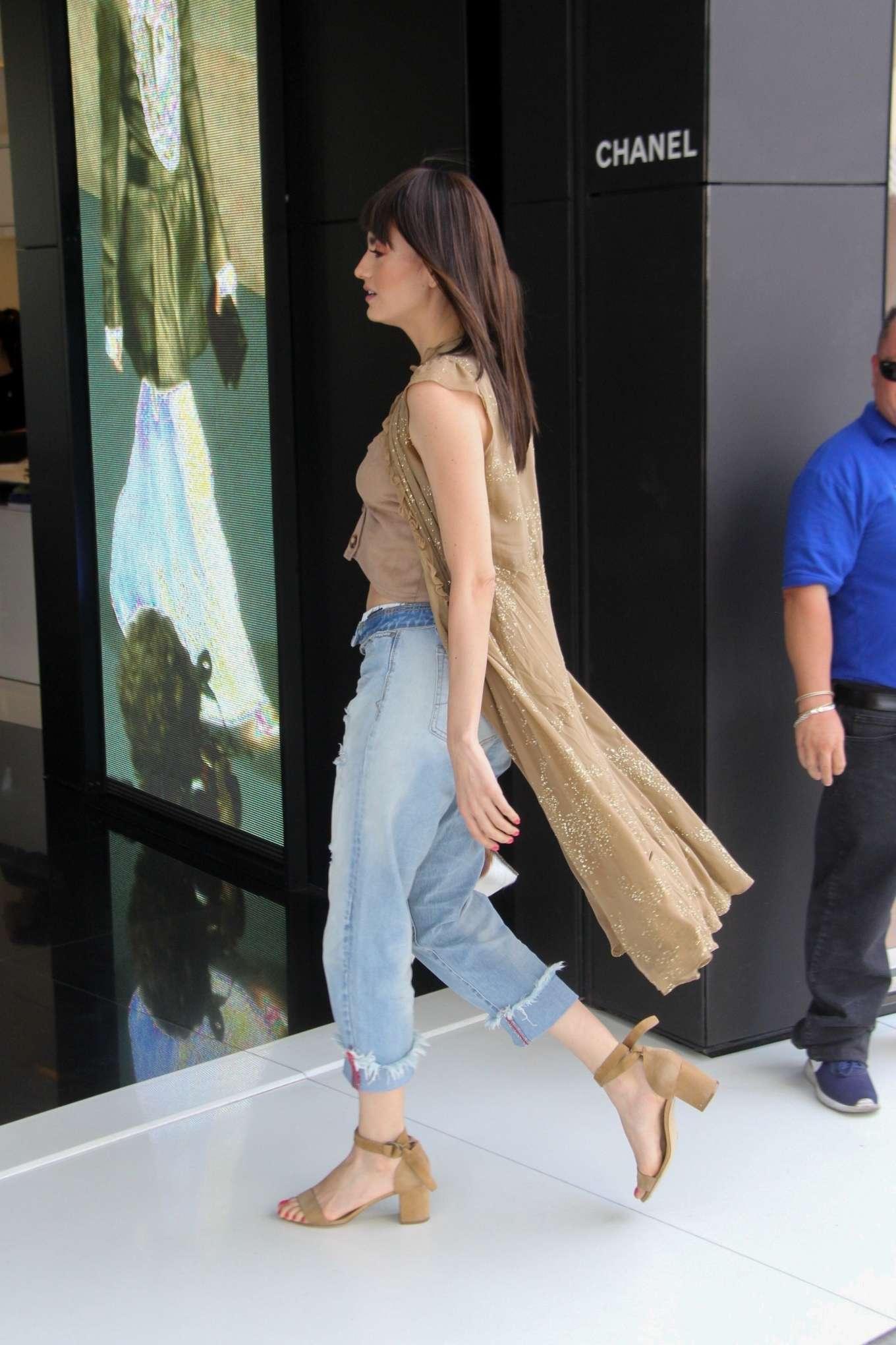 Blanca Blanco 2019 : Blanca Blanco: Shopping at Chanel on Robertson Blvd-12