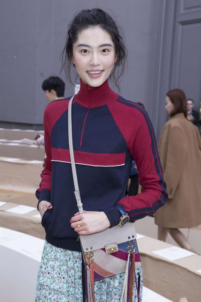 Bonnie Chen - Chloe Fashion Show 2016 in Paris