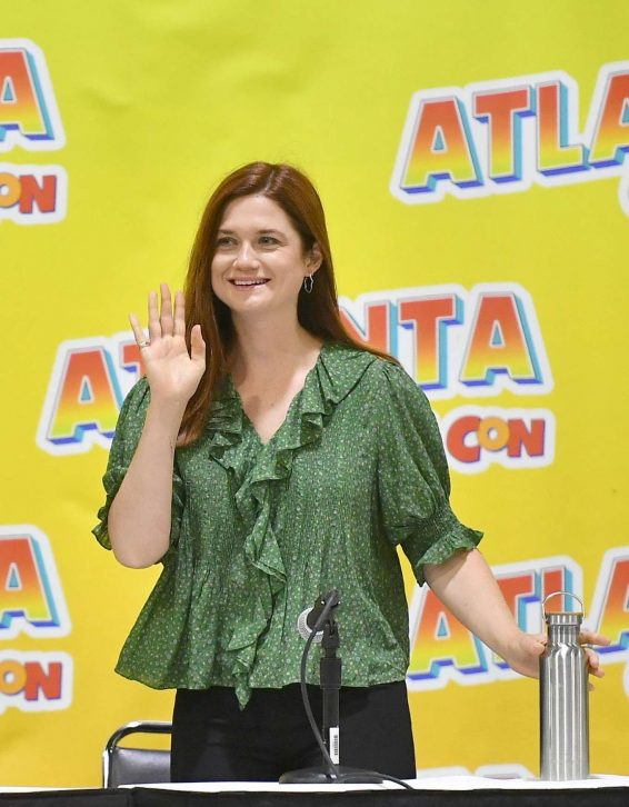 Bonnie Wright - 2019 Atlanta Comic Con at Georgia World Congress Center in Atlanta