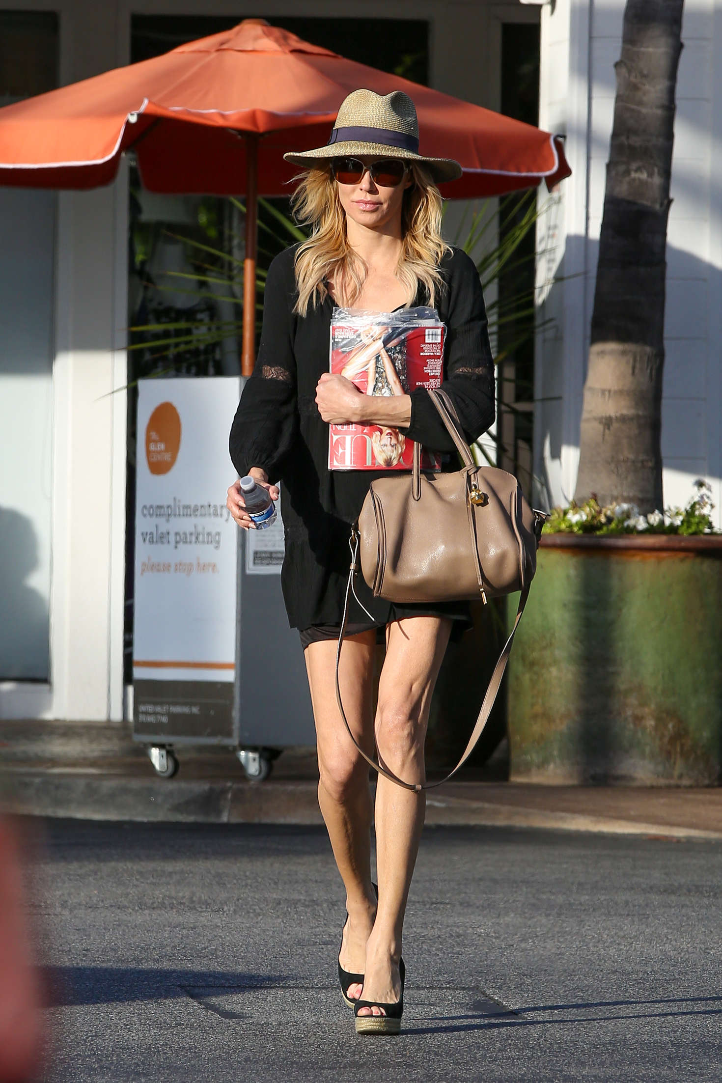 Brandi Glanville in Mini Skirt Shopping -01 - GotCeleb