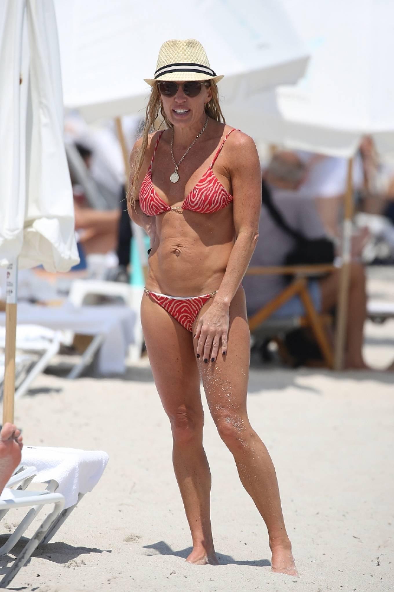 Braunwyn Windha-Burke 2021 : Braunwyn Windham-Burke – In a red bikini with Fernanda Rocha on the beach in Miami-08