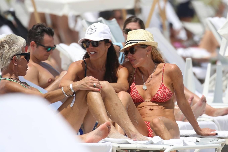 Braunwyn Windha-Burke 2021 : Braunwyn Windham-Burke – In a red bikini with Fernanda Rocha on the beach in Miami-09
