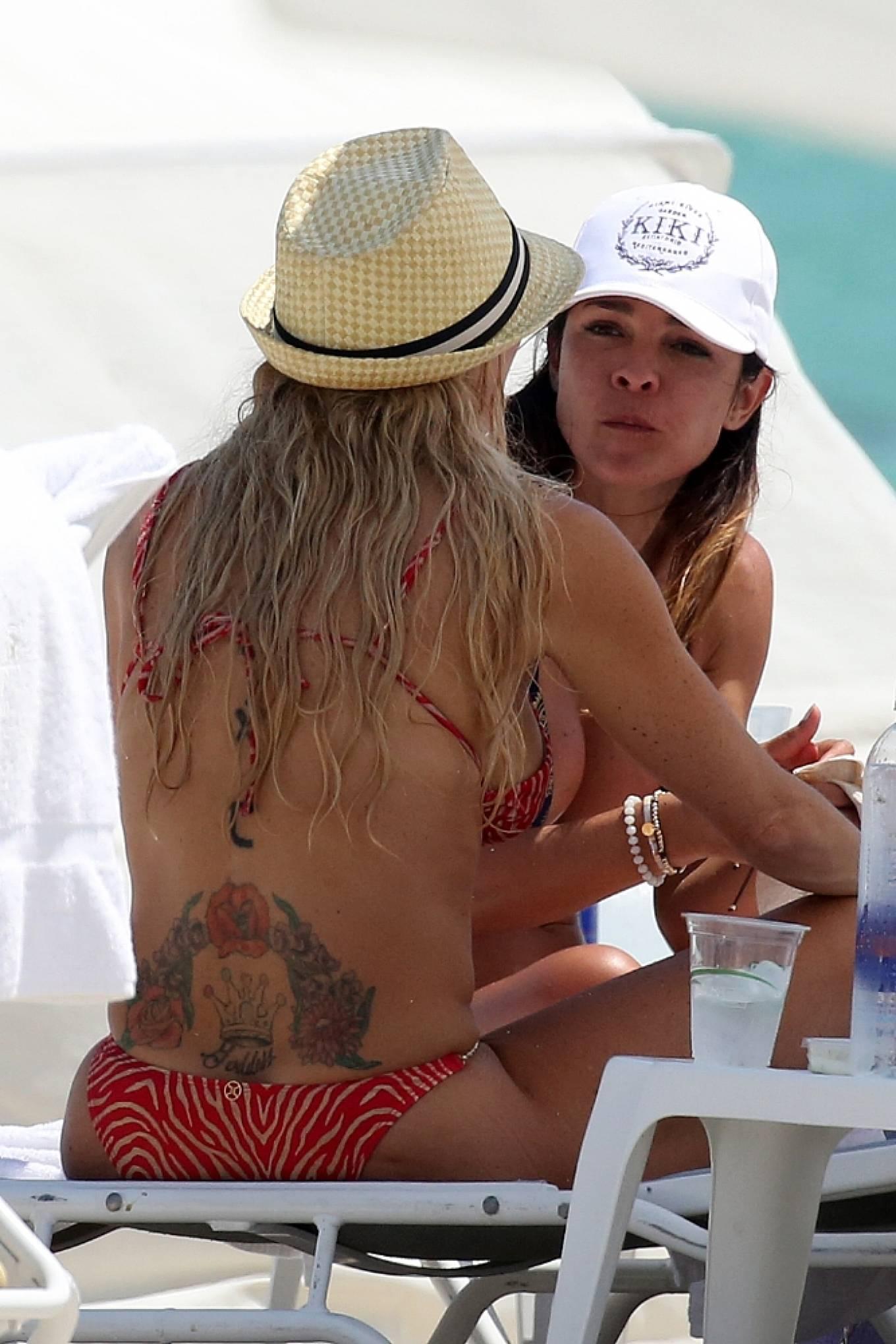 Braunwyn Windha-Burke 2021 : Braunwyn Windham-Burke – In a red bikini with Fernanda Rocha on the beach in Miami-11