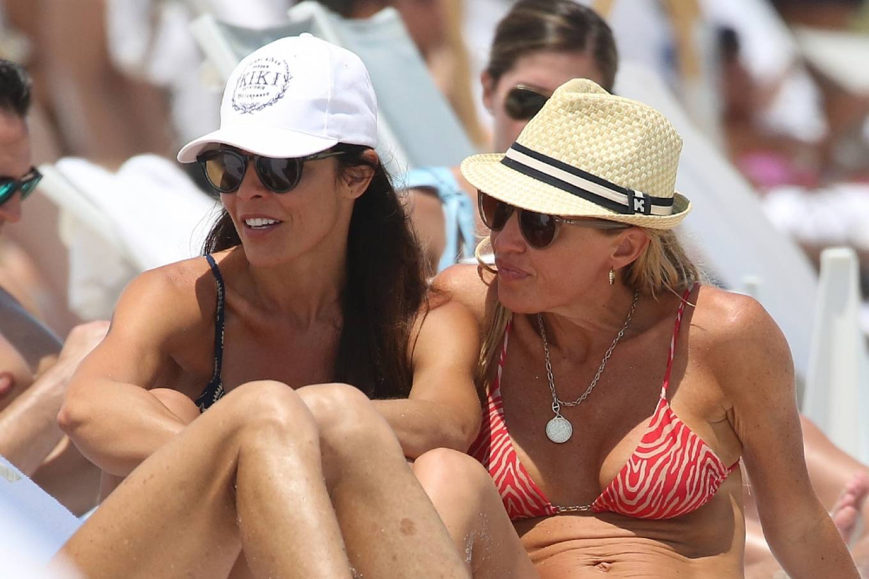 Braunwyn Windha-Burke 2021 : Braunwyn Windham-Burke – In a red bikini with Fernanda Rocha on the beach in Miami-19