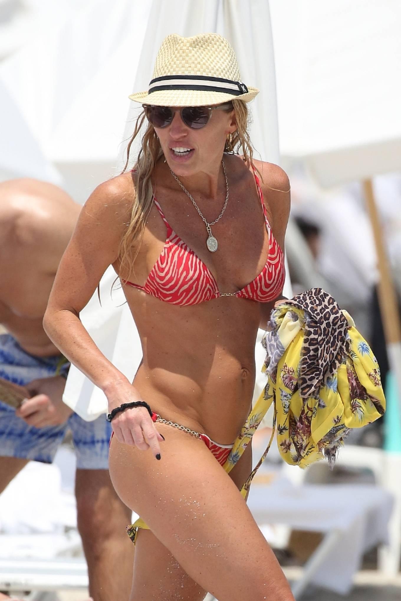 Braunwyn Windha-Burke 2021 : Braunwyn Windham-Burke – In a red bikini with Fernanda Rocha on the beach in Miami-20