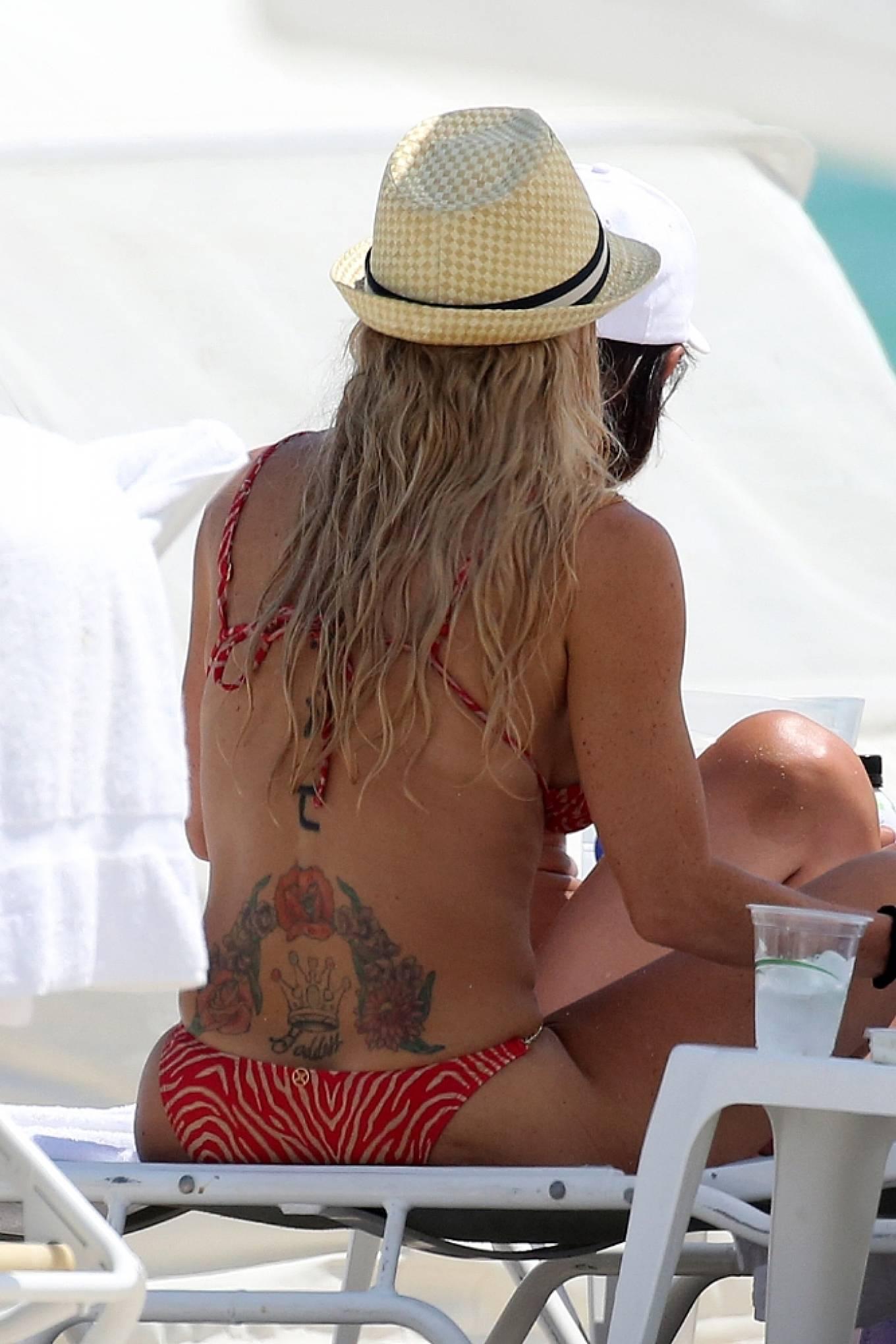 Braunwyn Windha-Burke 2021 : Braunwyn Windham-Burke – In a red bikini with Fernanda Rocha on the beach in Miami-23