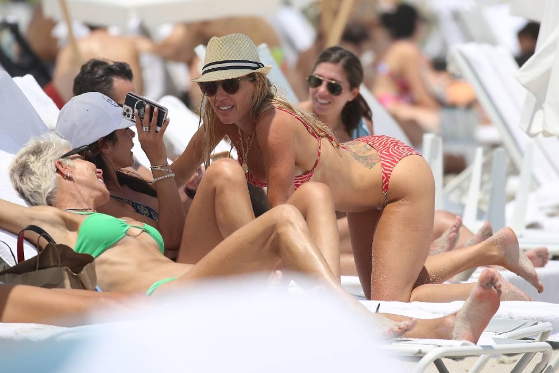 Braunwyn Windha-Burke 2021 : Braunwyn Windham-Burke – In a red bikini with Fernanda Rocha on the beach in Miami-25