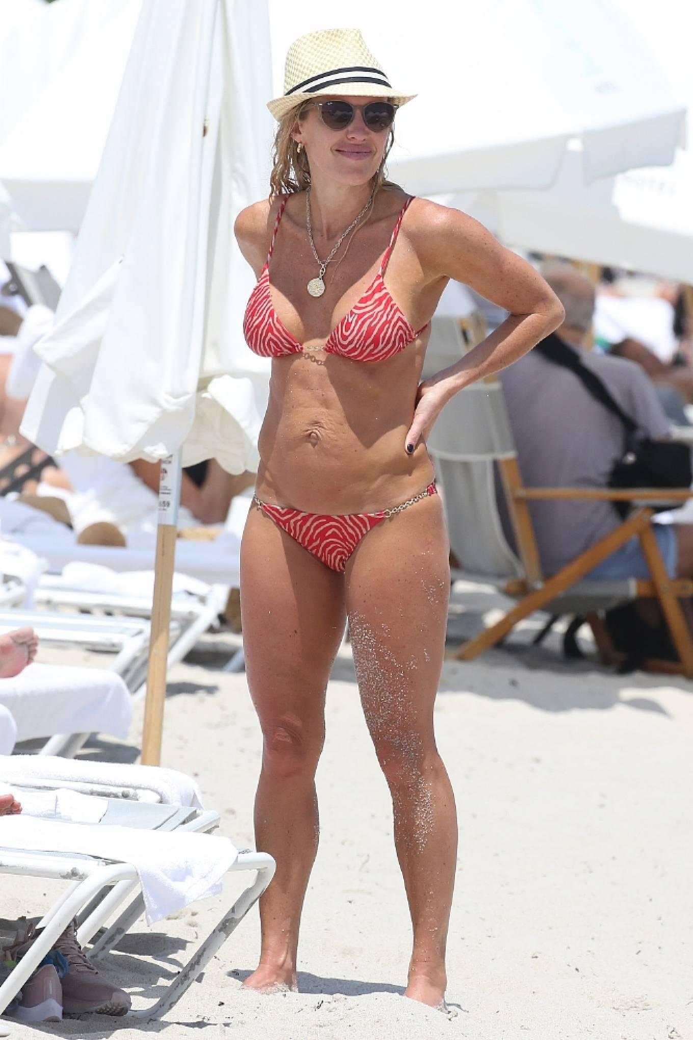 Braunwyn Windha-Burke 2021 : Braunwyn Windham-Burke – In a red bikini with Fernanda Rocha on the beach in Miami-29