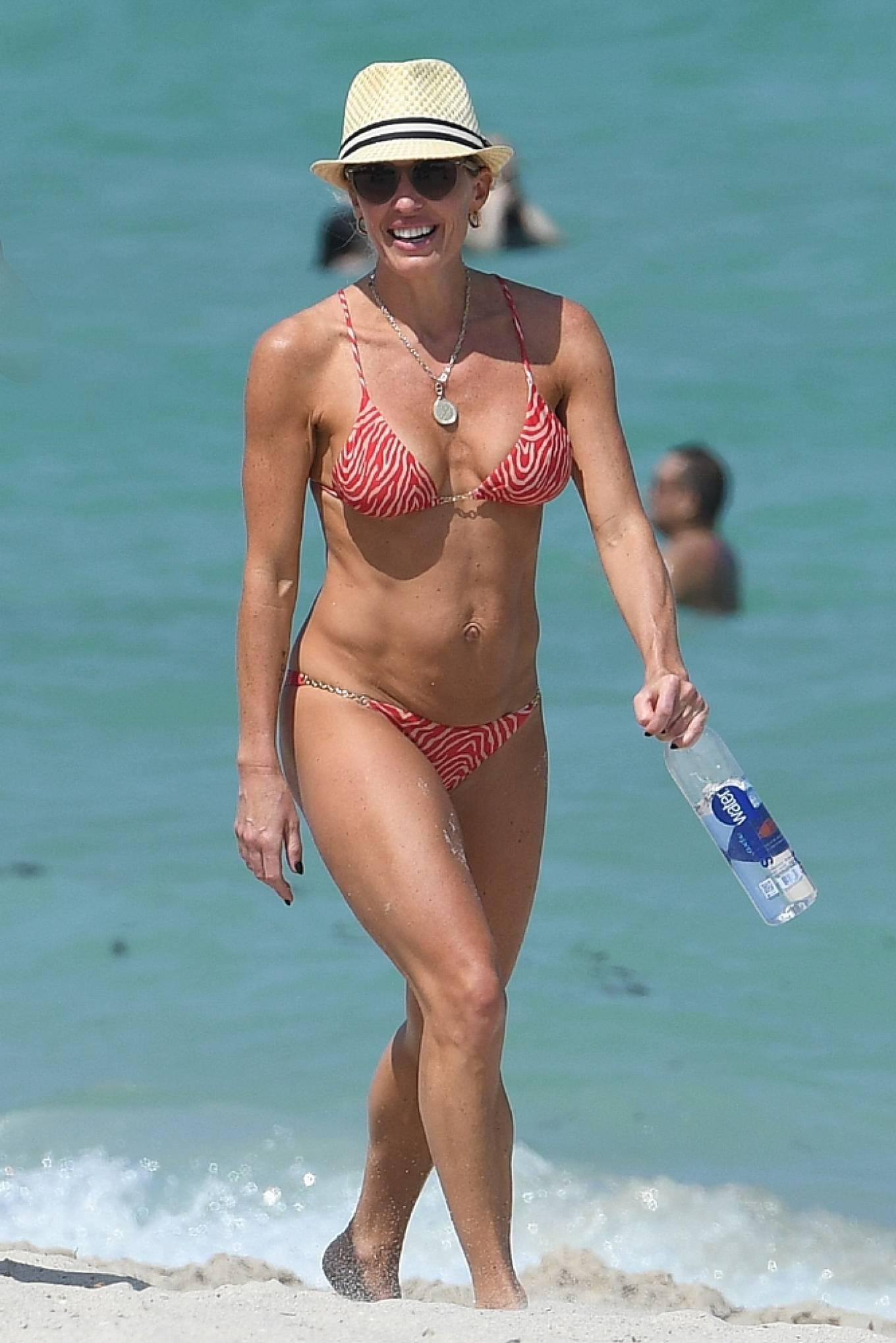 Braunwyn Windha-Burke 2021 : Braunwyn Windham-Burke – In a red bikini with Fernanda Rocha on the beach in Miami-36