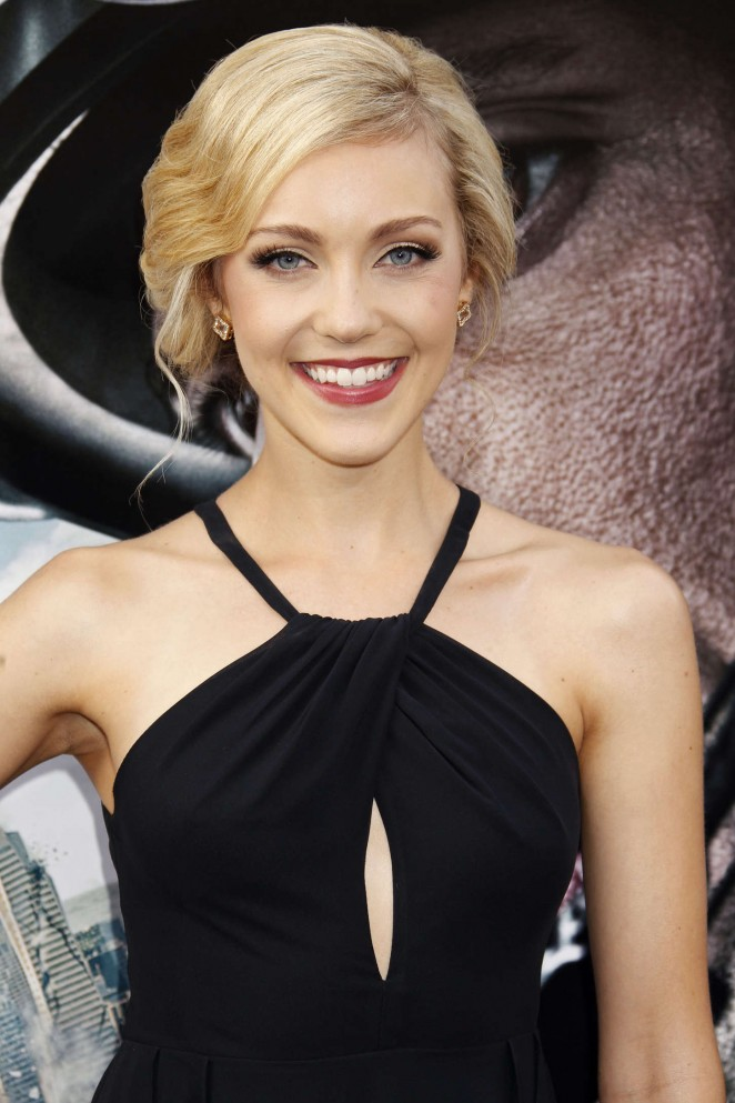 Breanne Hill - 'San Andreas' Premiere in Hollywood