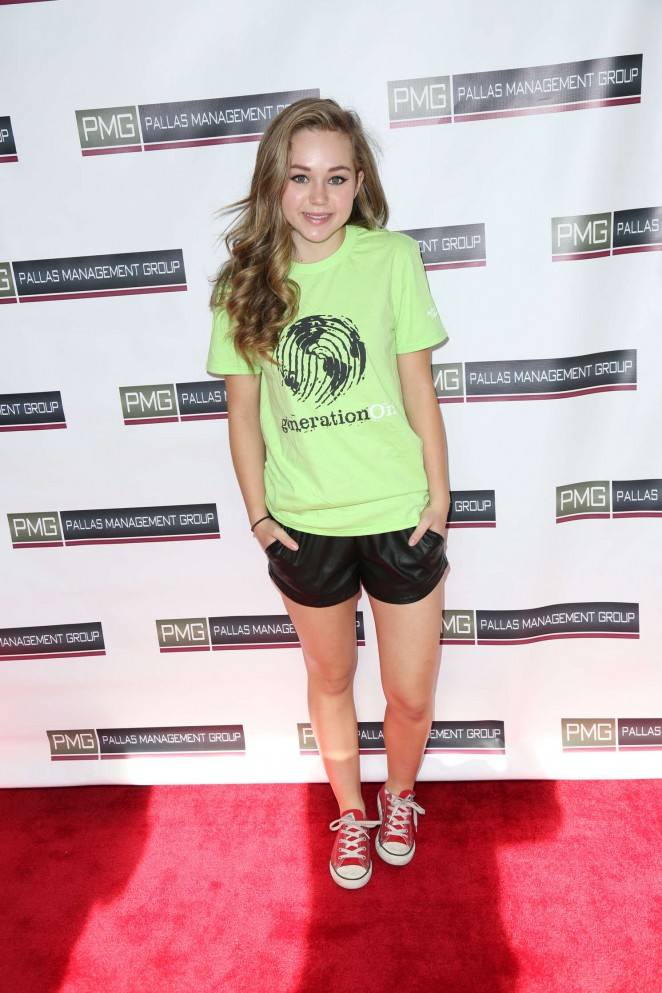 Brec Bassinger - 2015 Toy Wrap Party Supporting GenerationOn in Studio City