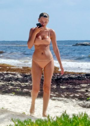 Bregje Heinen in Beige Bikini on the beach in Tulum